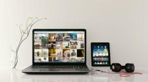 curatare laptop de praf 300x167 - Laptop-ul se inchide brusc. Ce putem face?